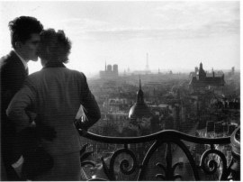 Willy Ronis - Lovers on the Bastille